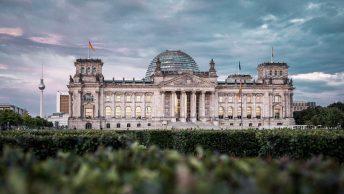 Deutscher Bundestag · Photo by hoch3media on Unsplash